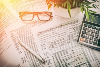 Here's Your Tax Filing Day Checklist: Make Sure You Do These 6 Things